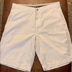 Callaway Golf Shorts Sz 30 white and black